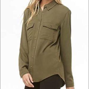 Soft double pocket button down shirt
